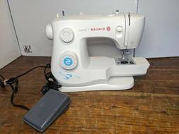 Singer 3337 SIMPLE Sewing Machine. Pre owned. heavy duty hom