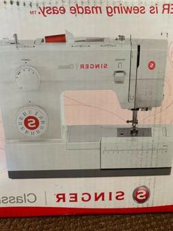 Singer 44S Classic 23-stitch Sewing Machine NEW OPEN BOX