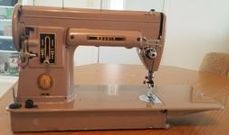 VINTAGE SINGER 301 SEWING MACHINE WITH LONG BED & CASE FREE