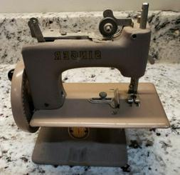 Vintage Singer Sewing Machine Miniature Sewhandy Kid's Hand